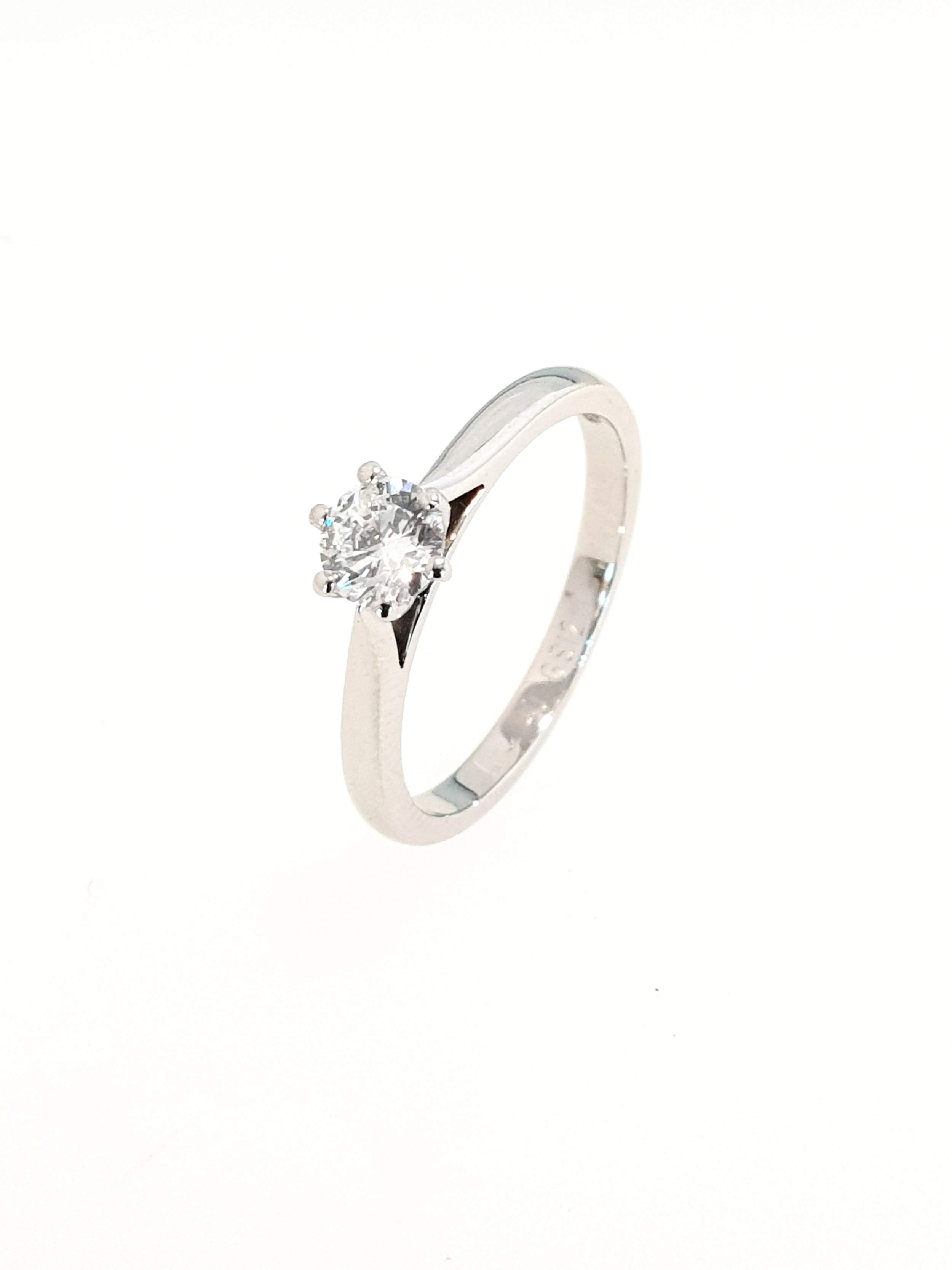 Platinum Diamond Ring, 6 Claw  .40ct, G, Si2  Stock Code: N8923  £1850