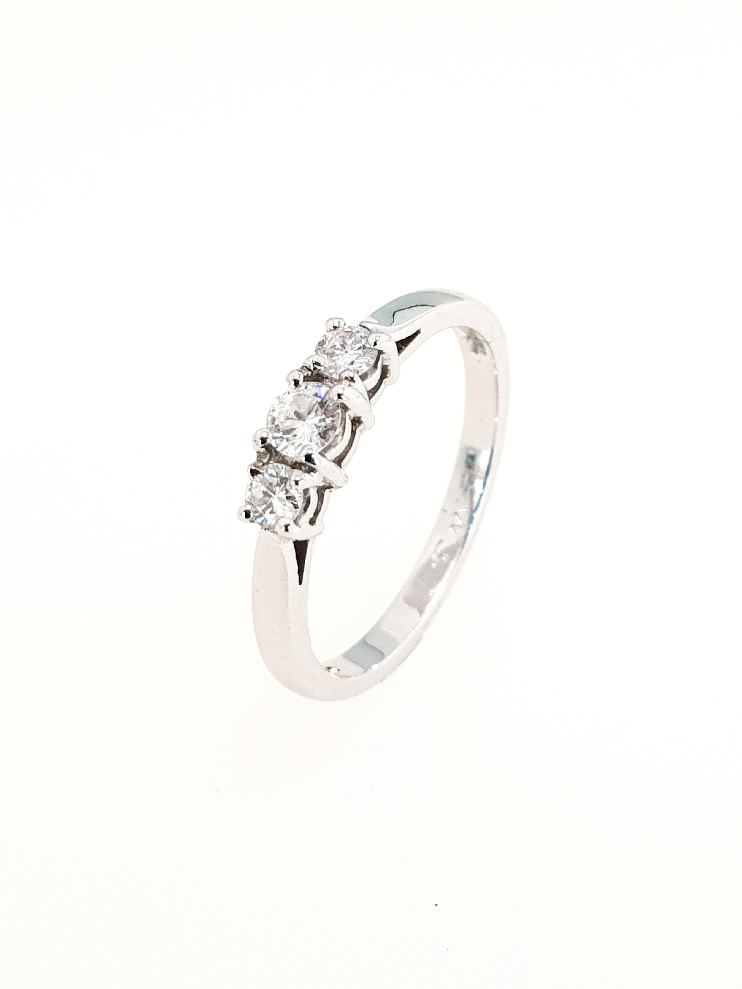 3 Stone Diamond Ring in Platinum  .30ct, G, Si2  Stock Code: N7574  £1610