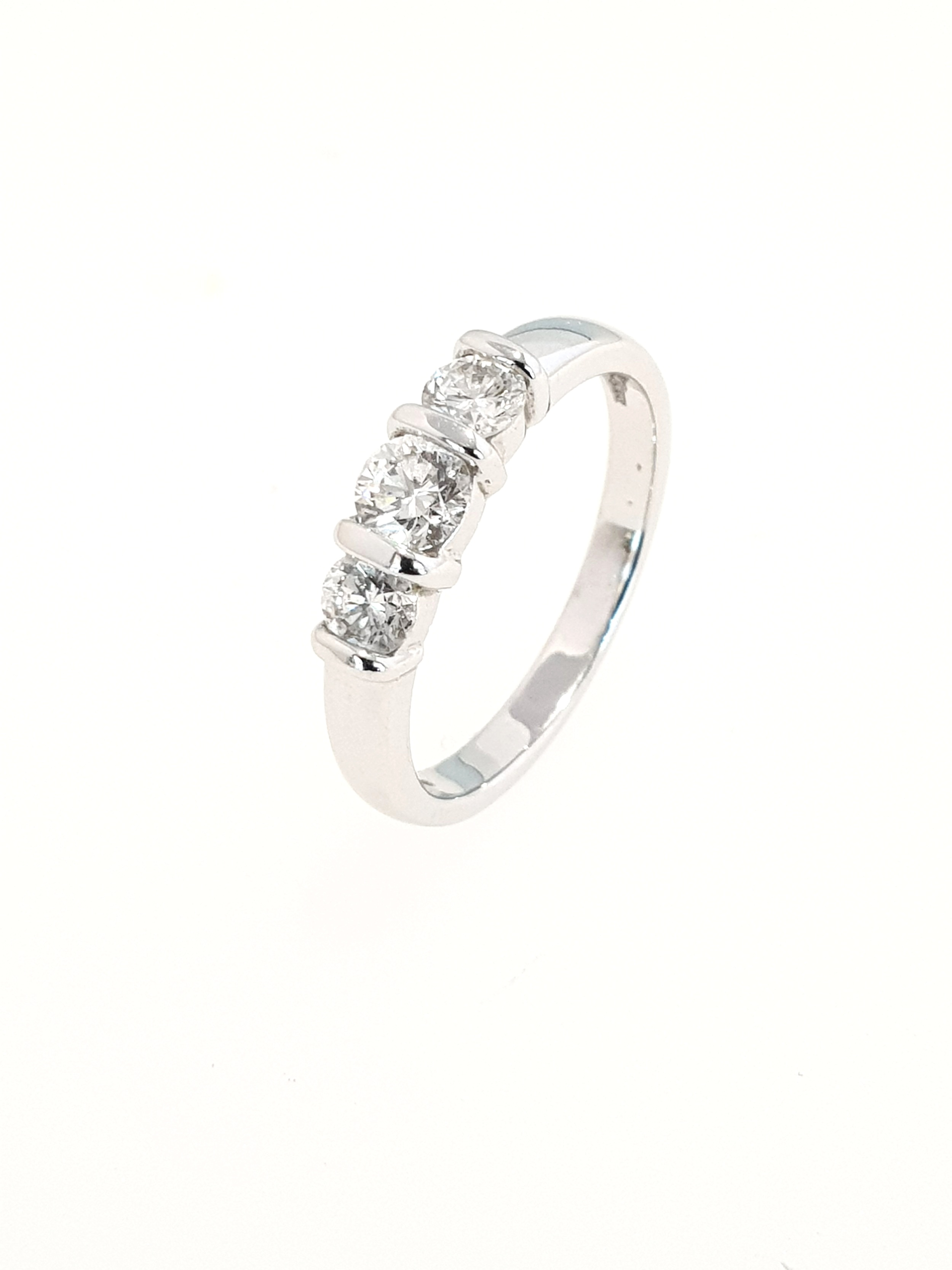 3 Stone Diamond Ring in White Gold  .75ct, G, Si2  Stock Code: N8334  £3000