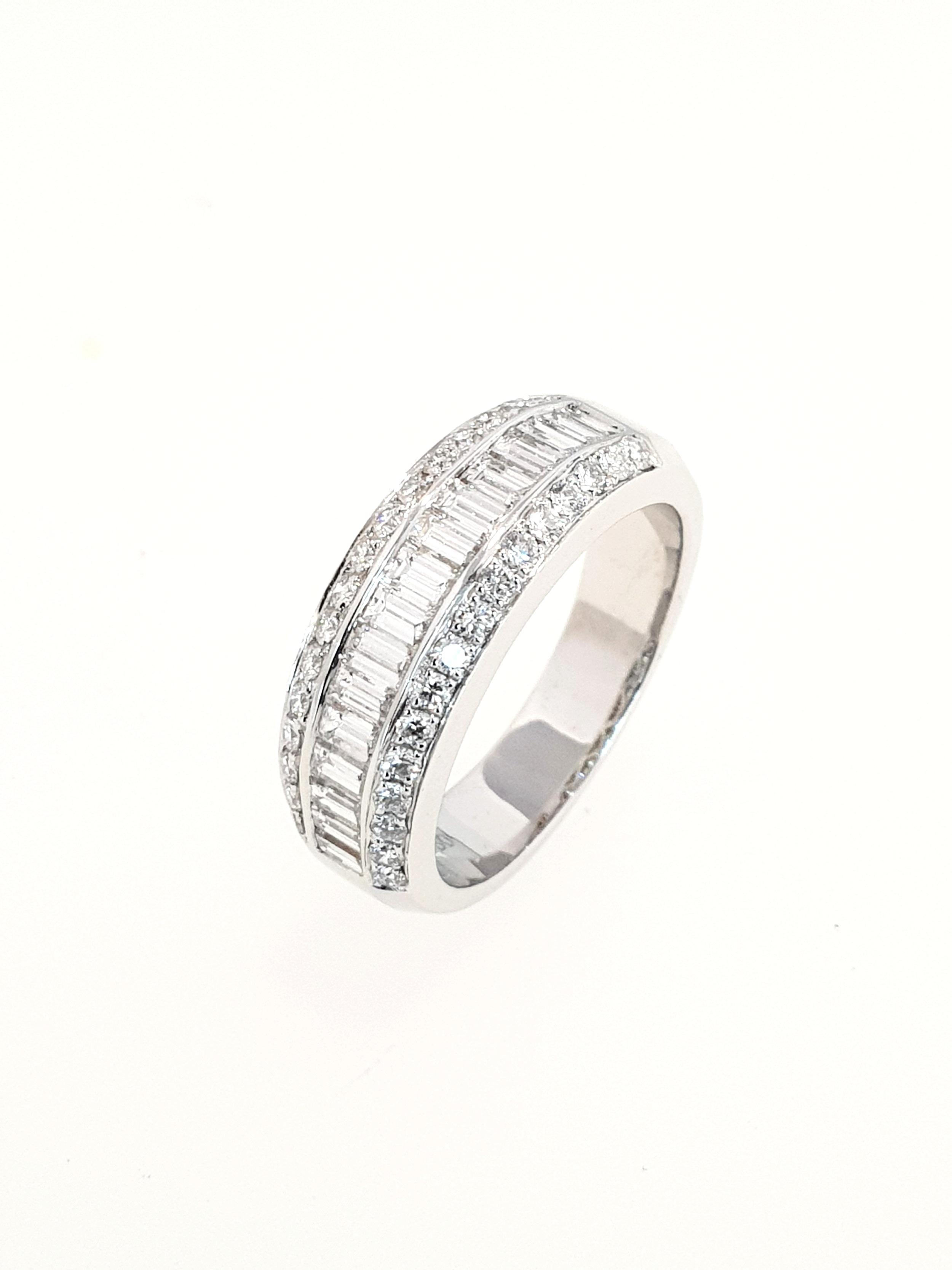 18ct White Gold 3 row Diamond Ring  1.13ct, G, SI1  Stock Code: N8924  £3500