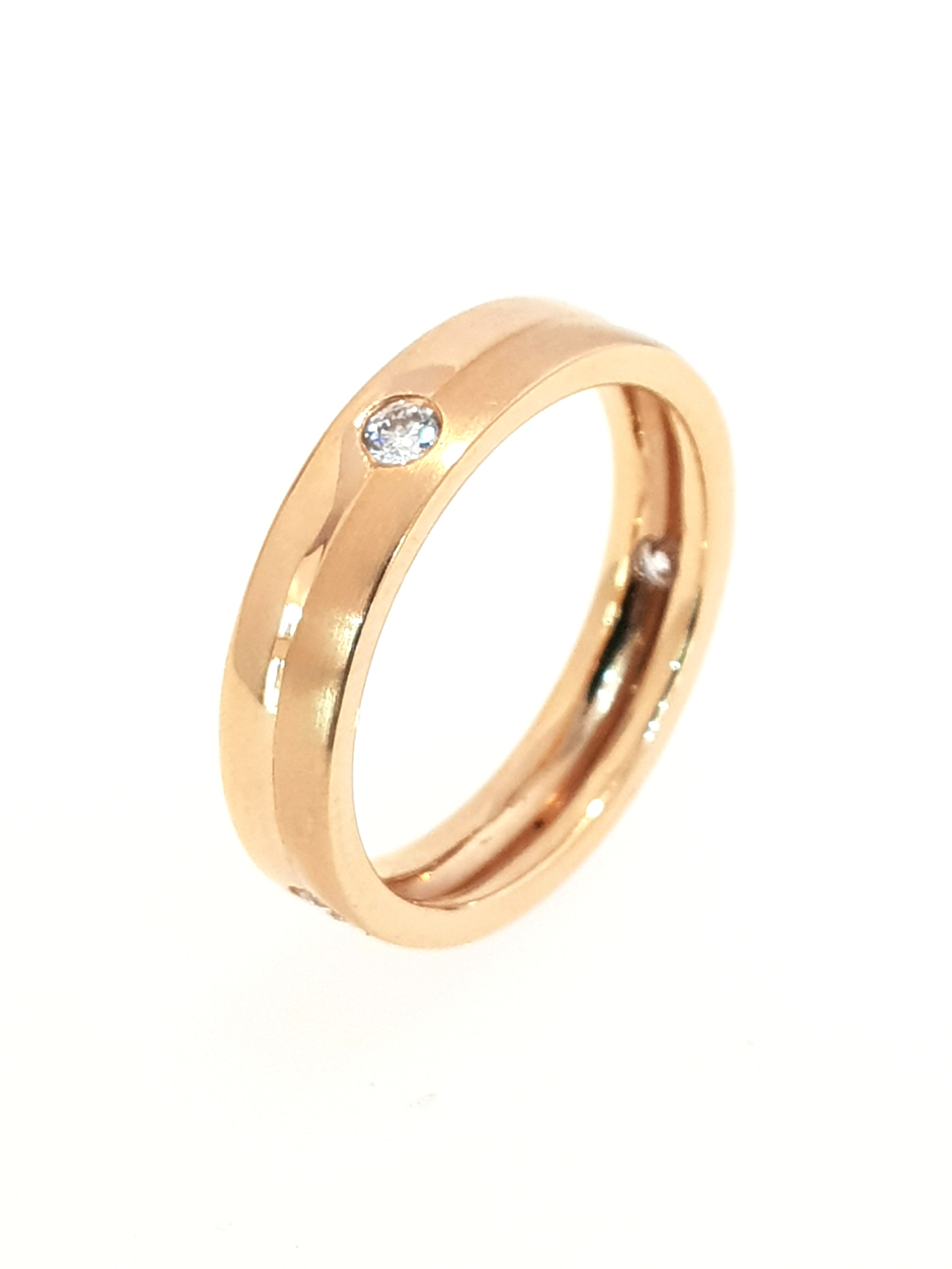18ct Rose Gold & Diamond Band