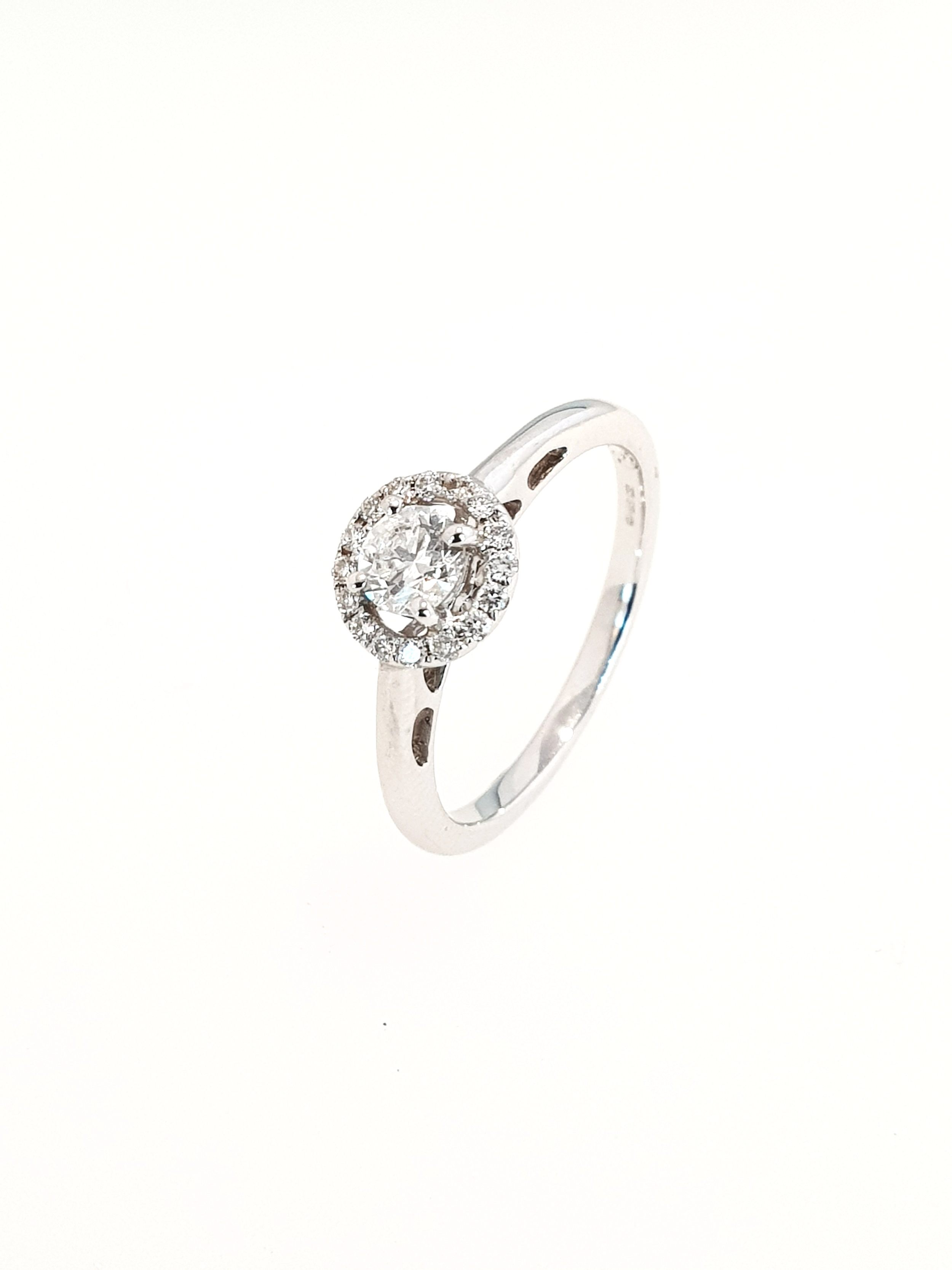 18ct White Gold Diamond Halo Ring  SOLD   TCW: .34ct, G, Si1  Stock Code: N8906  £1275