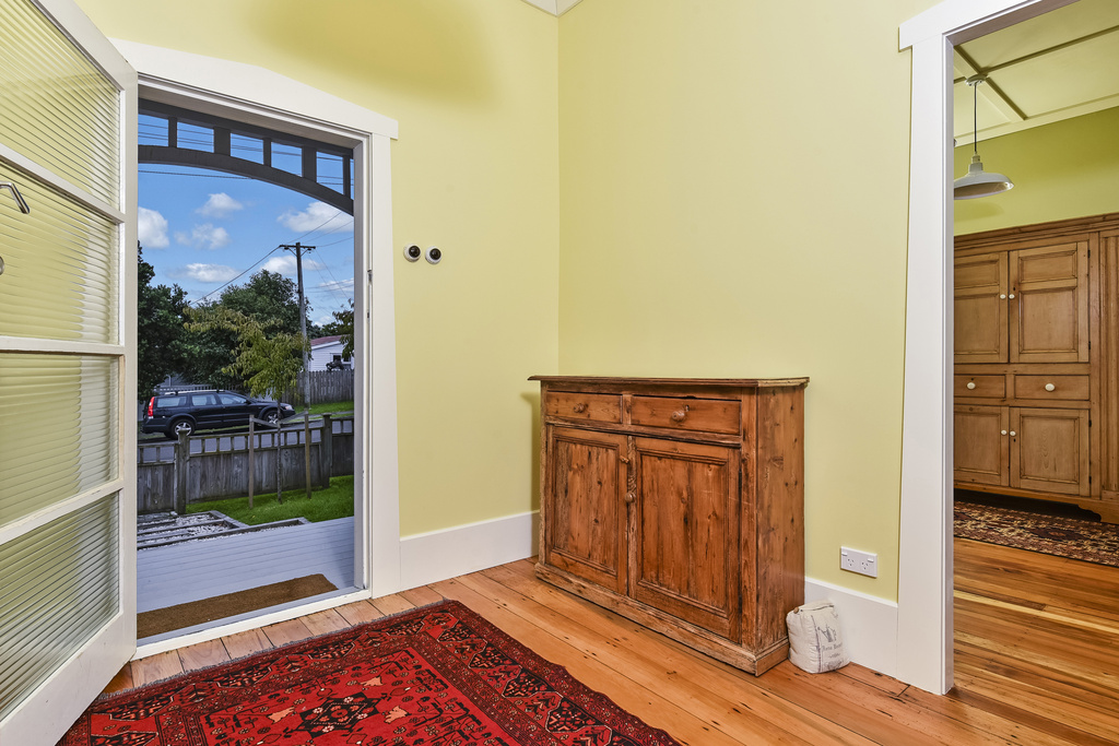 Entrance-Makeover-Bungalow-Renovation-Belmont-Auckland.jpg