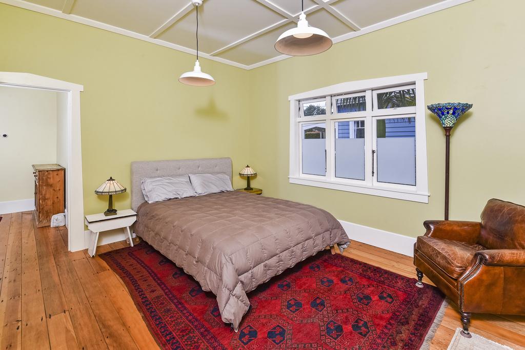 Bedroom-Renovation-Bungalow-Belmont-Auckland.jpg