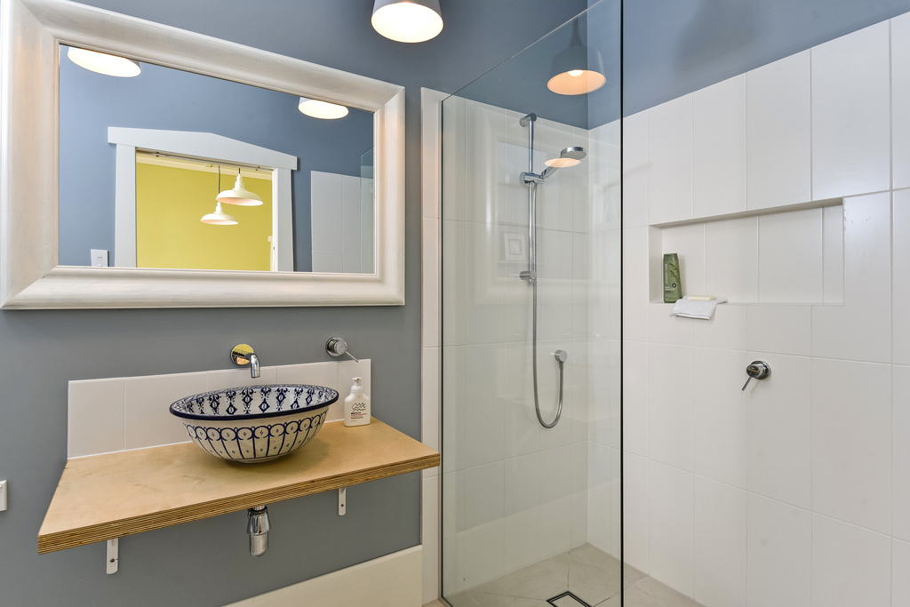 Ensuite-Bathroom-Renovation-Bungalow-Tile-Shower-Recess-Shelf-Belmont-Auckland.jpg