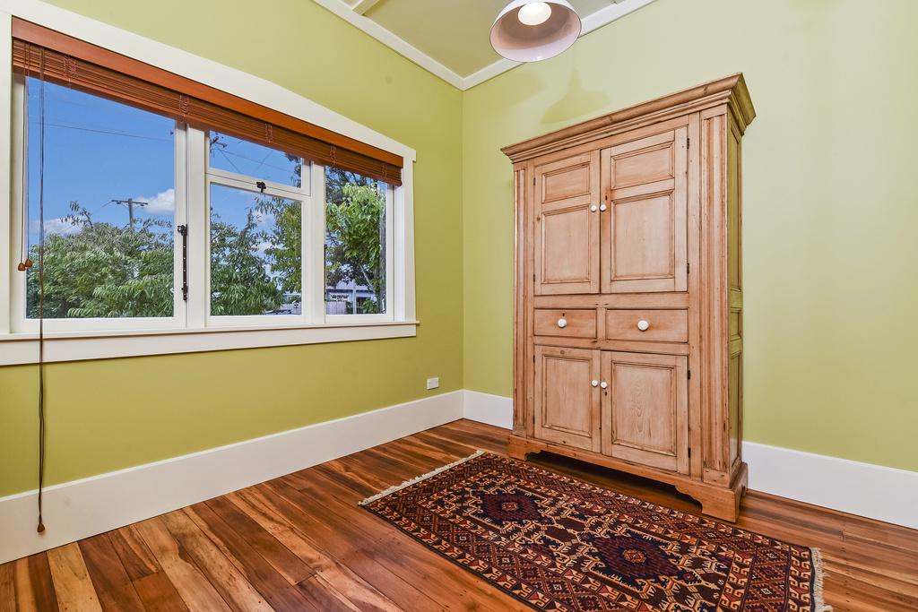 Raise-Ceiling-Bedroom-Renovation-Bungalow-Belmont-Auckland.jpg
