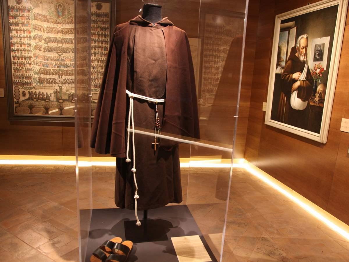 capuchin-robes.jpg