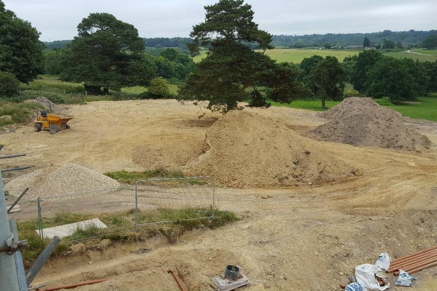house-building-elenge-plat-colgate-horsham-landscaping-850.jpg