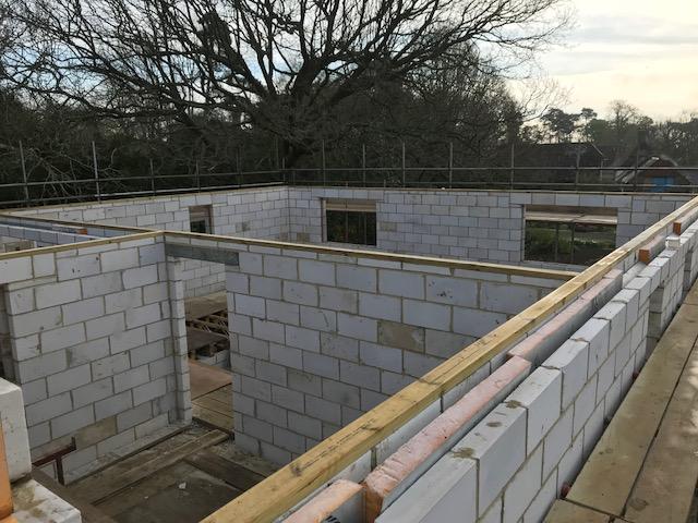 house-building-poppits-ardingly-further-brickwork-640.jpg