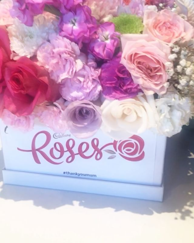 Happy Mother's Day Everyone! Wishing your day was filled with love, laughter and appreciation for the one person who never gives up on you ❤️❤️❤️ #lycheerose #flowerbomb #cadbury #cadburyroses #thankyoumum #mothersday #flowersofinstagram #instaflowers #motherlove #appreciation #love #corporategifts #thankyouflowers #spoilmum #deservesnothingbutthebest