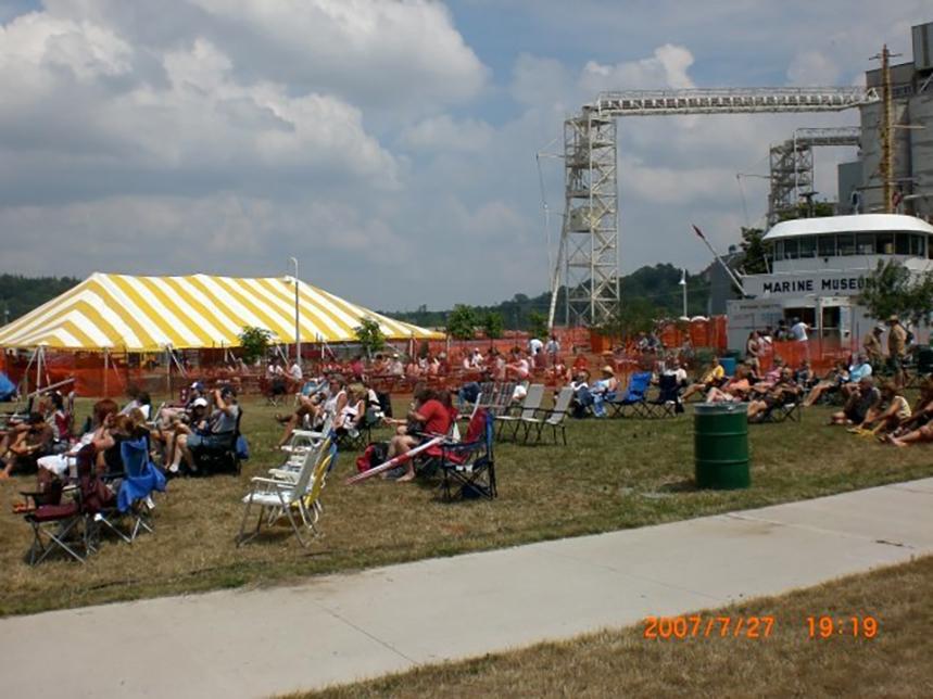 Bluefest 2007 005-LZ.jpg