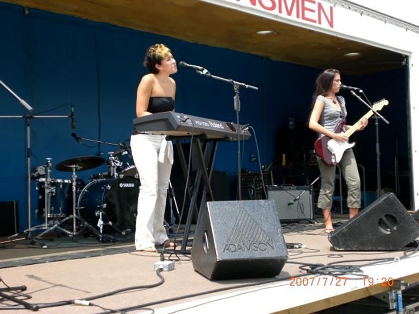 Bluefest 2007 006-LZ.jpg