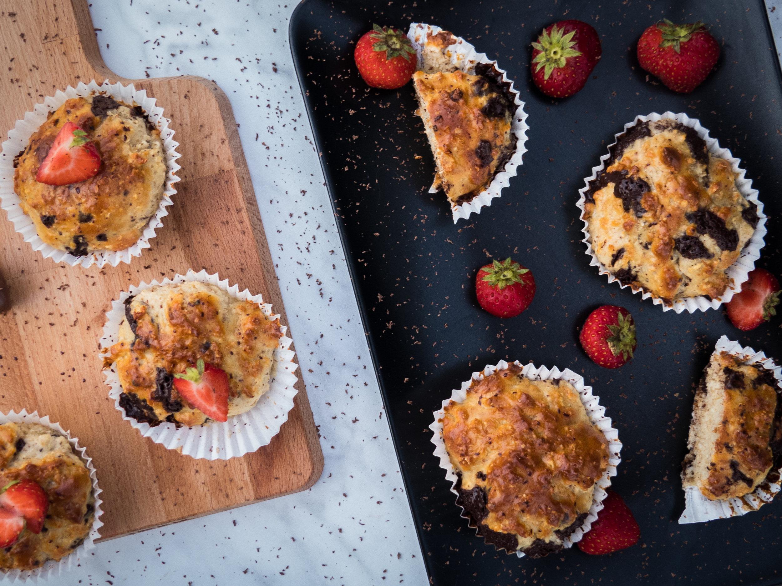 Vanilla, chocolate, coco and strawberry cupcakes5.jpg