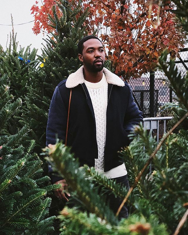 This year, we're buying a real tree🌲 | no more artificial. Shot by @wole