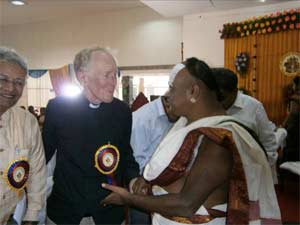 Rev. Braybrooke meeting Swami Chaturvedi in Chennai.