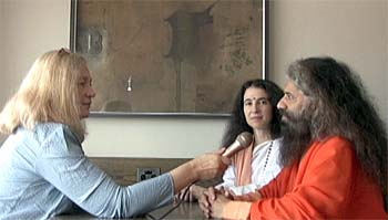 Bettina Gray interviews Swami Chidananda at the 2009 Parliament of the World's Religions in Melbourne. Her live webcasts from the Parliament dramatized a communications revolution unimaginable 25 years earlier when she began interfaith work.