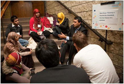 Eboo Patel with a group of college students. – Photo: Lavina Melwani