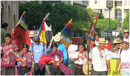 Women were at the front of the Indigenous Caminata, the sacred march, as it arrived in Guadalajara's city-center. – Photo: TIO