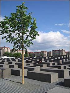 Holocaust Memorial, Berlin – Photo: Wikipedia