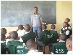 A Big Brother Society presentation to students in Nairobe. – Photo: URI