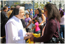 ICIR joined with 250 Cathlic nuns, gather in Sacramento to deliver a letter to Governor Jerry Brown supporting a Domestic Worker's Bill of Rights. The bill passed in 2013. – Photo: ICIR-CLUE