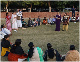 An outdoor session at the conference – Photo: URI