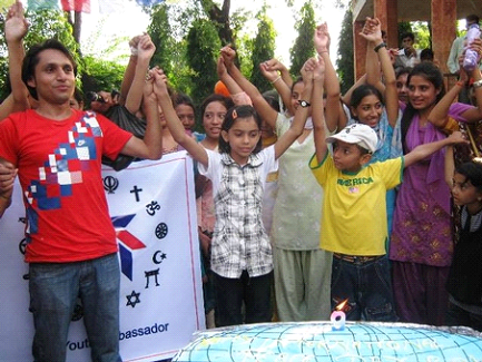 Nepalese young people celebrate the UN International Day of Peace – Photo: URI