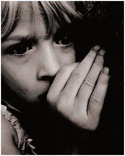 A fearful child – Photo: Wikipedia