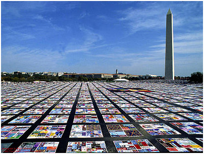 The AIDS quilt project began with 32 who were memorialized to more than 94,000. – Photo (from 2010): Wikepedia