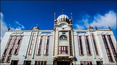 Guru Nanak Gurdwara  in Smethwick Sandwell, West Midlands, is one of the first and the largest gurdwaras in the United Kingdom. – Photo: Wikipedia