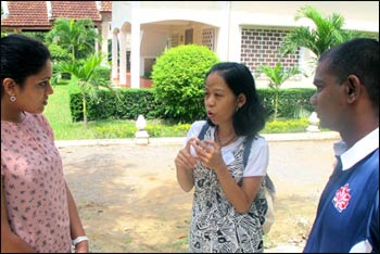 Simi Thambi (l.), Manda Andrian, and Yohan Krishnakumar, participants in YATRA training, in Siem Reap. – Photo: WCC