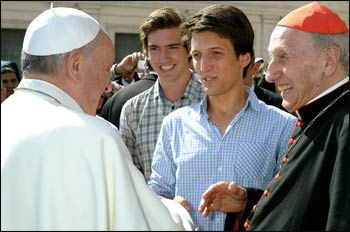 The Coexister team meets Pope Francis.