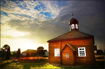 A Tatar mosque in the village of Bohoniki, Poland – Photo : William Barylo