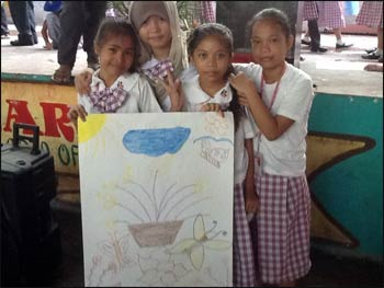 400 elementary students in the Philippines signed the Talking Back to Hate pledge and created images of peace and hope.