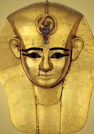Funerary mask of Amenemope – Photo: Wikimedia, Cairo Antiquities Museum