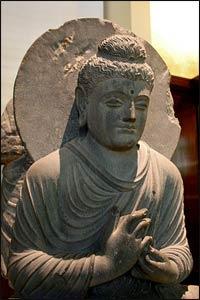 Seated Buddha, British Museum – Photo: Wikimedia Commons