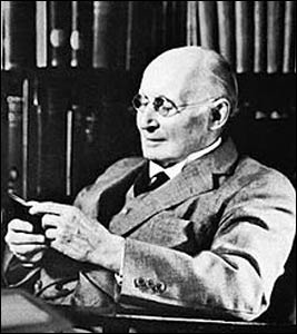Alfred North Whitehead – Photo: Enwikipedia