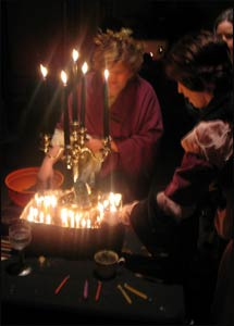 Neopagans participate in a Samhain ritual honoring the dead – Photo: Courtesy of RTS and Wikimedia Commons