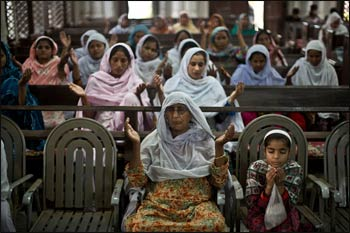 Christian worshipers in Peshawar attended a special Mass on Monday at All Saints Church. Some of them were there on Sunday when a bombing left 85 dead. – Photo: Muhammed Muheisen/Associated Press
