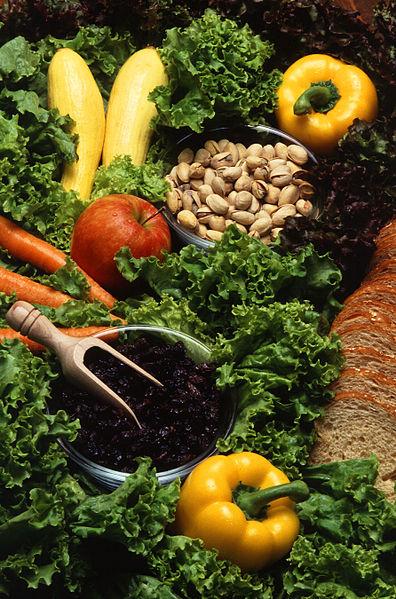 Ingredients to delight a vegetarian chef – Photo: Wikipedia, USDA, Scott Bouer