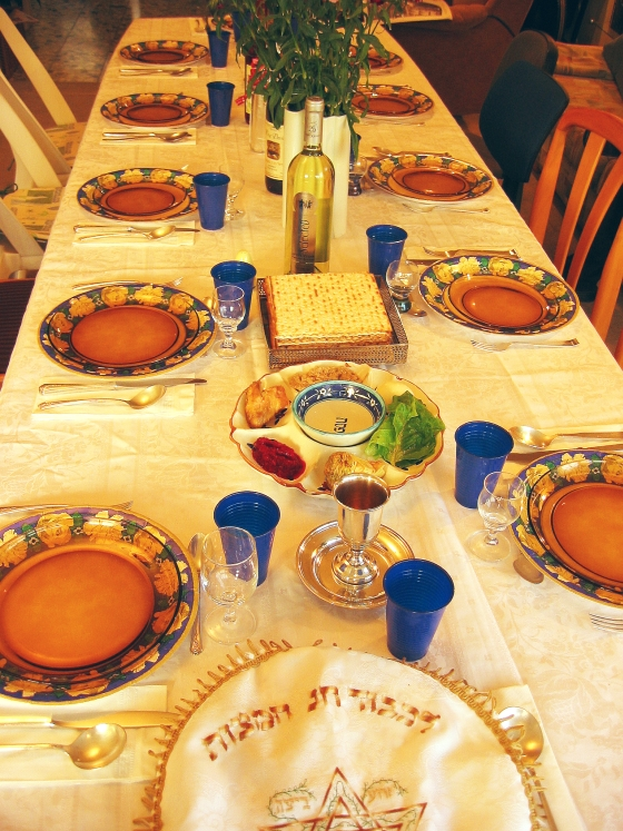 The Seder table set for the feast – Photo: Wikimedia,  Gilabrand, GNU 1.2