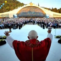 Pope Benedict blessing young people in Lebanon. Photo: Reuters/L'Osservatore Romano