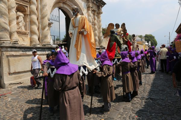 The Procession of Santa Ana in Antigua, Guatemala celebrates the beginning of the Christian season of Lent. – Photo: Donald Miller