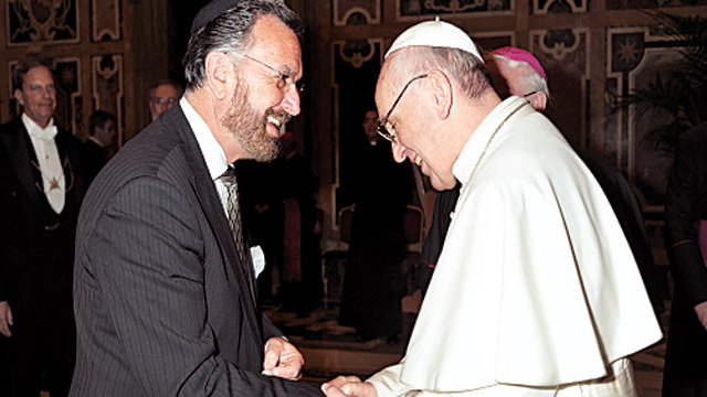Greeting Pope Francis on the day of his papal installation – Photo:    RDR