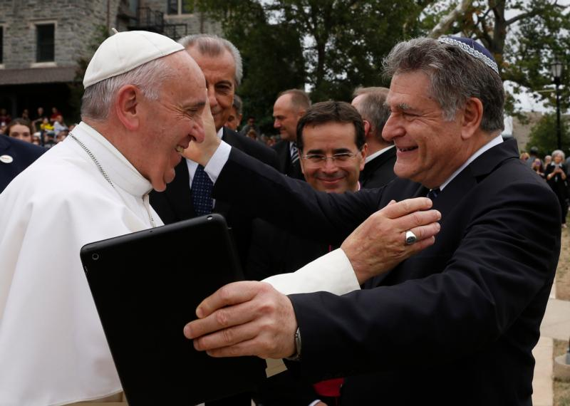 Pope Francis and Rabbi Abraham Skorka greet each other  – Photo: Catholic Philly