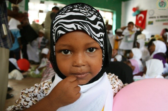 Muslim girl – Photo:  Ümmühan Özkan, IHH, C.c. 2.0 nc nd