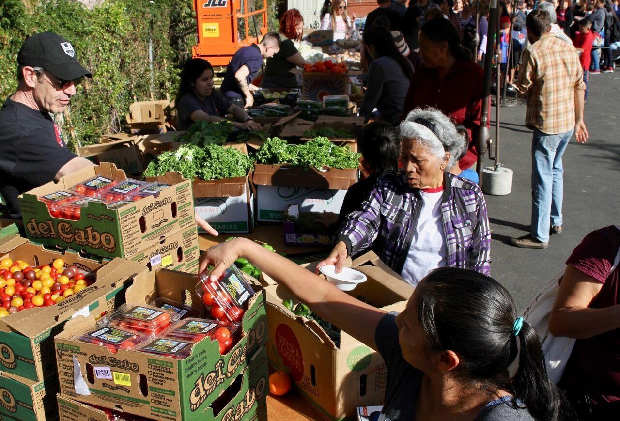 Vida Sana Farmers Market, a Pico Union Project initiative – Photo: Craig Taubman