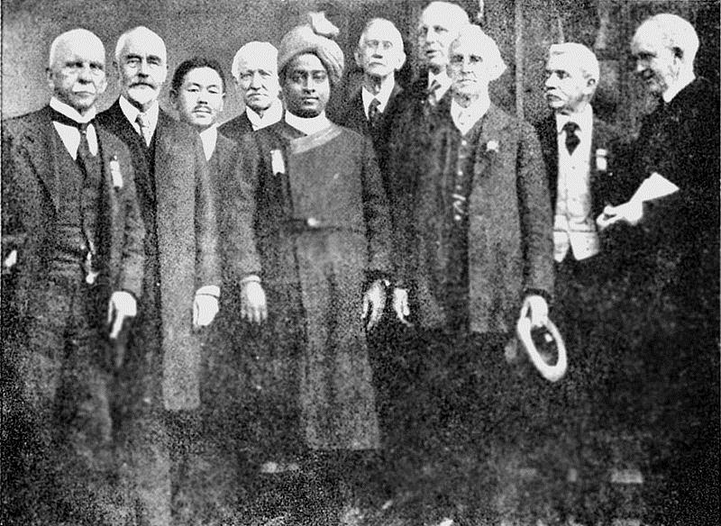 Delegates of the 1920 International Congress of Religious Liberals at Boston (Yogananda center) – Photo:    Wikimedia