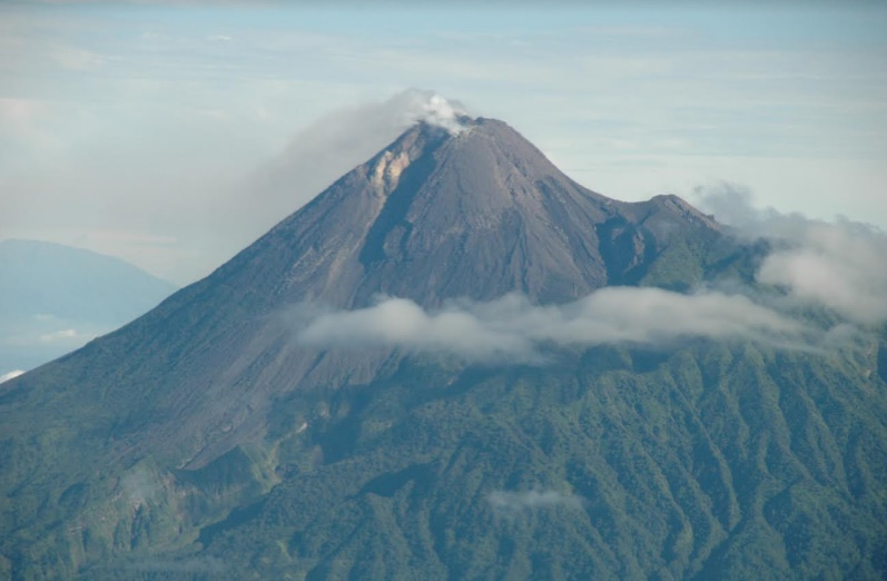 Merapi Volcano – Photo: Rob Sellers
