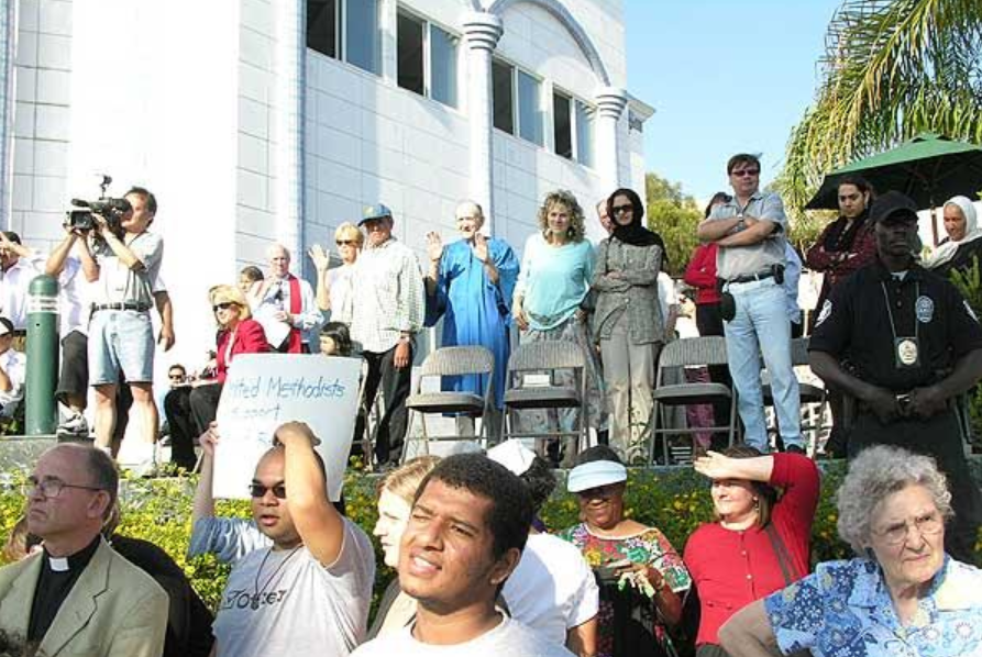 Interfaith leaders gather in solidarity outside Culver City mosque – Photo:    Los Angeles Indymedia: Activist News